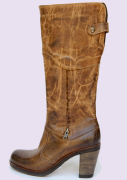 Classic boots women shoes manufacturer, the best Italian leather shoes and made in Italy design to produce the Donianna shoes, classic and casual women shoes leather boots manufacturing distributors, leather classic and casual men shoes and a collection of men boots for wholesale shoe distributors in France, Germany, England, USA, Canada, China, Saudi Arabia, Mexico, Latin America... and the most important shoemaker market business to business industry