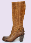 Leather boot women shoes manufacturer, the best Italian leather shoes and made in Italy design to produce the Donianna shoes, classic and casual women shoes leather boots manufacturing distributors, leather classic and casual men shoes and a collection of men boots for wholesale shoe distributors in France, Germany, England, USA, Canada, China, Saudi Arabia, Mexico, Latin America... and the most important shoemaker market business to business industry
